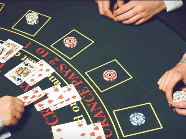Blackjack and different variations that people can play in casinos or online